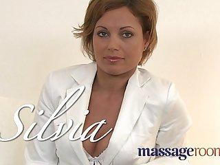 Massage Rooms Hot MILF enjoys big oily fingers deep in her juicy wet pussy